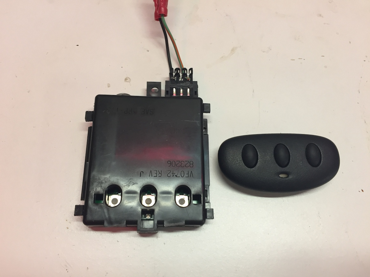 Homelink Transmitter In Overhead Console Naxja Forums